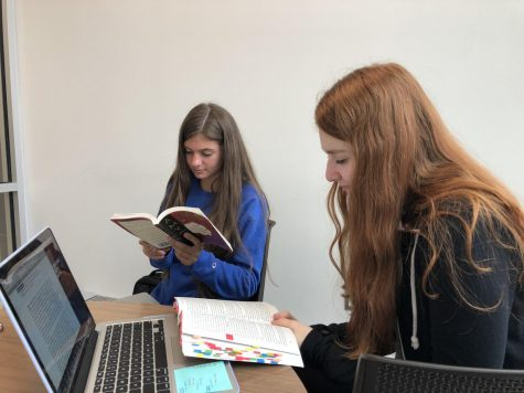 Sophomores Participate in a Revamped Community Read