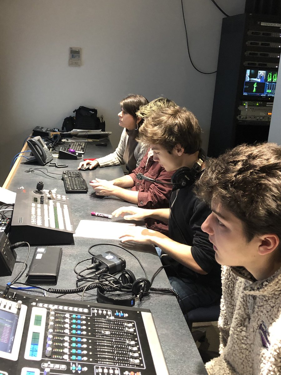 BHSTV+staff+members+are+focused+as+they+work+on+producing+a+news+broadcast+during+class+on+March+11.+