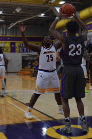 BHHS Men's Varsity Basketball suffers last-second loss against Avondale