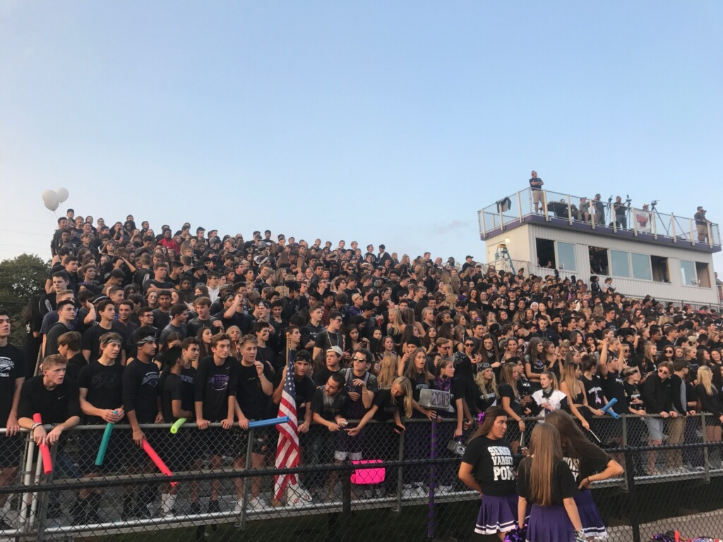 Crowds+gather+for+the+Homecoming+football+game%2C+where+Bloomfield+Hills+High+School+faced+their+opponents+Rochester+Adams+High+School.+