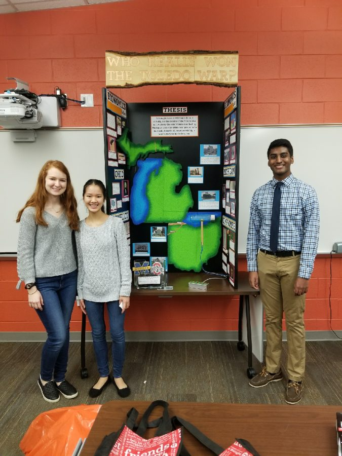 Sophomores Prepare for District History Competition
