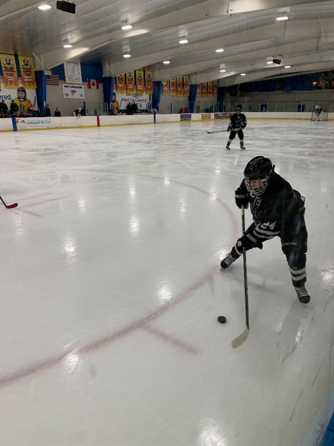 Boys Hockey Falls in Second Round